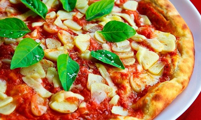 Pizza zelf maken met de pizzasteen 1